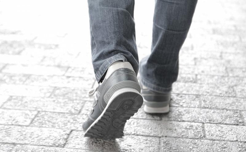 Pairs(ペアーズ)で足跡をつけない方法・足あとを消す(残さない)設定のやり方。